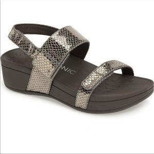 Vionic Bolinas platform sandals